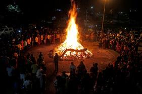 Smoke from 'Bhogi' Bonfire Hits Flight Operations in Chennai
