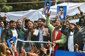 News18.com Daybreak | Mevani's March, Kashmir's Supernova Clue & Other Stories You May Have Missed