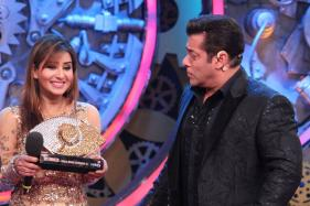 Bigg Boss 11: Salman Khan Offers Help To Shilpa Shinde In Her Pending Legal Cases