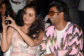 Ranveer Singh Bonds with B-Town Divas at MUD Studio Launch