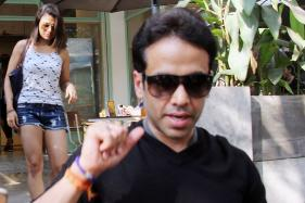 Tusshar Kapoor's Lunch Date with a Mystery Girl; See Pictures...