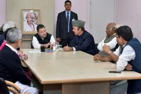 Rahul Gandhi Dissolves Sonia's CWC, Forms New Team With a Blend of Old and New