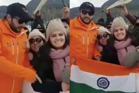 'Flag Seedha Karo Apna': Shahid Afridi's Thoughtful Gesture to Indian Fan is Winning Hearts