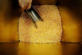 Gold Prices Fall for a Third Day as Dollar Bounces off December 2014-lows