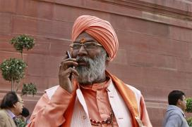 Sakshi Maharaj Wants Muslims Also to be Cremated to 'Save' Land