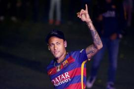 Neymar Signs New Barcelona Deal Until 2021
