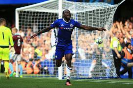 Chelsea Take Pole Position, Arsenal End Winless Run in Premier League