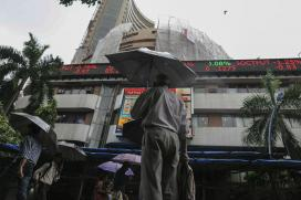 Sensex Builds on Gains, Up 72 Points in Early Trade
