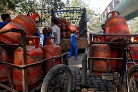 In Steepest Hike Ever, Non-subsidised LPG Dearer by Rs 86 a Cylinder