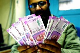 Govt to Print Plastic Currency Notes to Check Counterfeiting