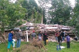Indonesia Earthquake of 6.5 Magnitude Hits Aceh, Nearly 100 Dead
