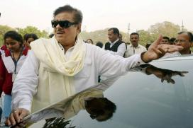 Shatrughan Sinha Bats for Lalu-Kejriwal, Sushil Modi Wants Him Removed