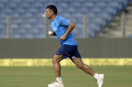 Dhoni Motivates Jharkhand Teammates in Unique Style