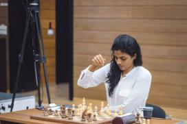 Harika Dronavalli Enters Semis of World Chess Championship