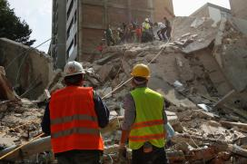 Mexico Quake Leaves 224 Dead, Scramble on For Survivors