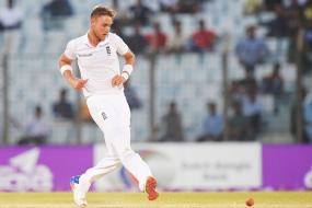 Broad Injures Heel Ahead of South Africa Series