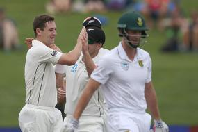 3rd Test: Rain Halts Play After Kiwi Bowlers Shine on Day 1