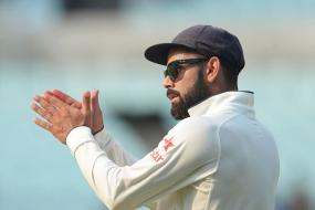 Kohli Walks Out to the Middle Even After Being Ruled Out