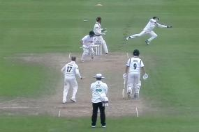 Trescothick Takes Wonder Catch and Scores 50th Century For Somerset