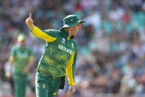 Graeme Smith Wants AB De Villiers to Quit ODI Captaincy
