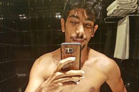 Indian Fast Bowler Jasprit Bumrah's Six Pack Abs Send Twitter Into a Tizzy