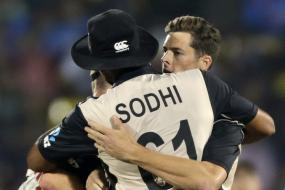 Santner Combines With Grandhomme to Take a Blinder in Third T20I
