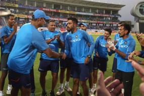 Siraj & Thampi Among 4 Net Bowlers to Bowl to Kohli & Co in SA