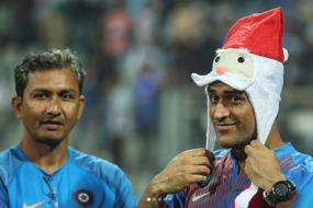 Dhoni Leads Team India's Christmas Party After Sri Lanka Whitewash