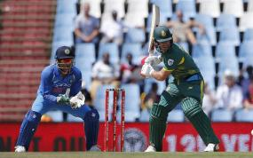 AB de Villiers Ruled Out of T20 Series With Knee Injury