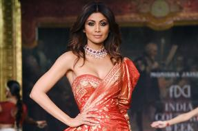 Shilpa Shetty Kundra Ups the Glamour Quotient with an Interesting Take on Fashion; See Pics
