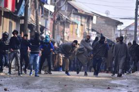 To Build Trust Among Kashmiris, Govt to Withdraw Cases Against First-time Stonepelters
