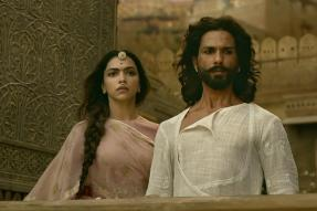 Padmaavat Row: Gujarat Multiplex Owners to Take Call on Screening The Film on Monday