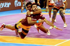 Pro Kabaddi 2017: Puneri Paltan Pip UP Yoddha to Win 1st Eliminator