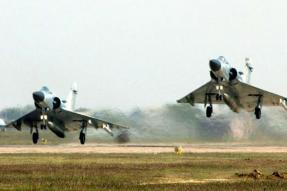 20 IAF Planes to Touch Down on Lucknow-Agra Expressway on October 24