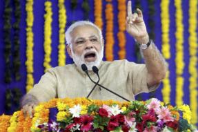 PM Defends EC in Gujarat Polls Row, Fires 'Recounting' Salvo at Congress