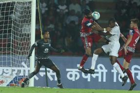 ISL 2017 Live Score NorthEast United vs Jamshedpur: Coppell's Side Keep NorthEast at Bay