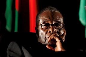 Robert Mugabe Given Until Noon Monday to Quit as President of Zimbabwe
