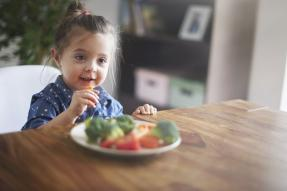 Could Healthy Eating Also Boost Kids' Happiness?