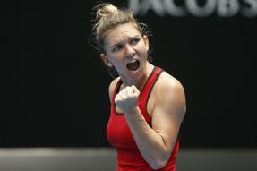 Australian Open: World Number 1 Simona Halep Edges Past Lauren Davis in Titanic Battle