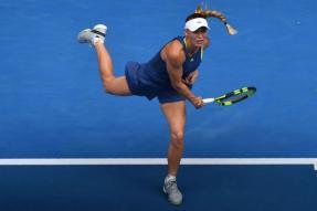 Australian Open: Caroline Wozniacki Slam Quest on Track After Last-16 Romp
