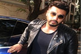 Arjun Kapoor Reaches Anil Kapoor's House From Airport; See Pictures