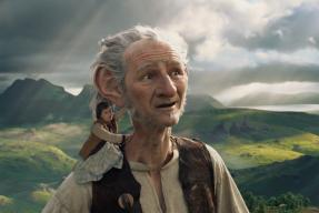 The BFG Movie Review: Childlike Wonders Take A Front Seat In This Magical Adventure