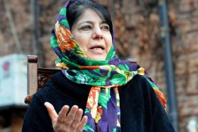 Mehbooba Lauds Modi's Call For War Against Poverty With Pakistan
