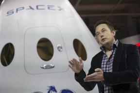 SpaceX CEO Elon Musk Promises 'Fun' Trip to Mars Colony