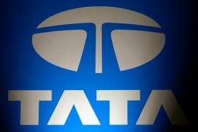 Tata Stocks Plunge on Concerns Over Cyrus Mistry Letter