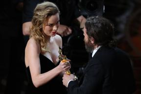 Brie Larson Refused to Applaud for Casey Affleck As She Gave The Oscar