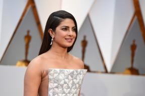 Oscars 2017: Priyanka Chopra Is a Vision In This Pearly White Ensemble