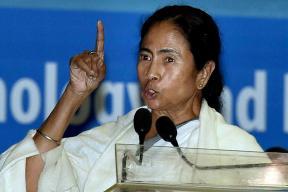 Mamata Takes on Shah's 'Ebar Bangla' Challenge With 'We Will Capture Delhi'