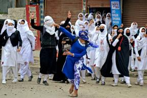 Kashmir Future Bleak as Schools Remain Shut 6 Out of Every 10 Days