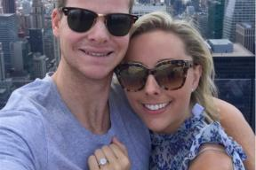 Steve Smith Gets Engaged as Battle With Cricket Australia Worsens